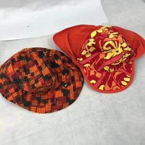 Lot of 2 sun protecting hats for babies